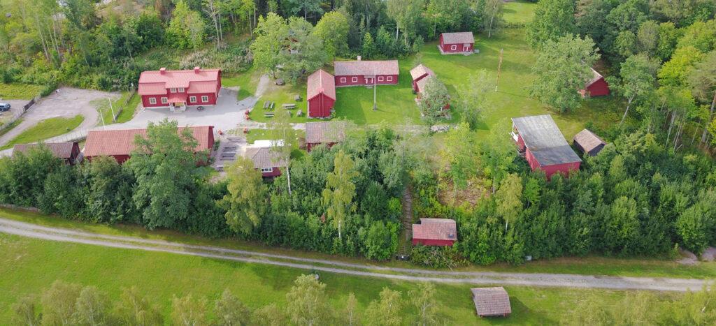 Vy över Gammelgården i Västerfärnebo